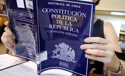Con tantos «dimes y diretes» e inseguridad sanitaria los chilenos pierden interés en participar en el plebiscito