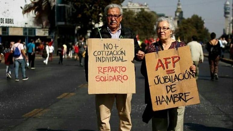 Las opiniones chilenas abarcan esta semana varios temas claves: las pensiones, evaluación de la gestion presidencial y el manejo del Covid