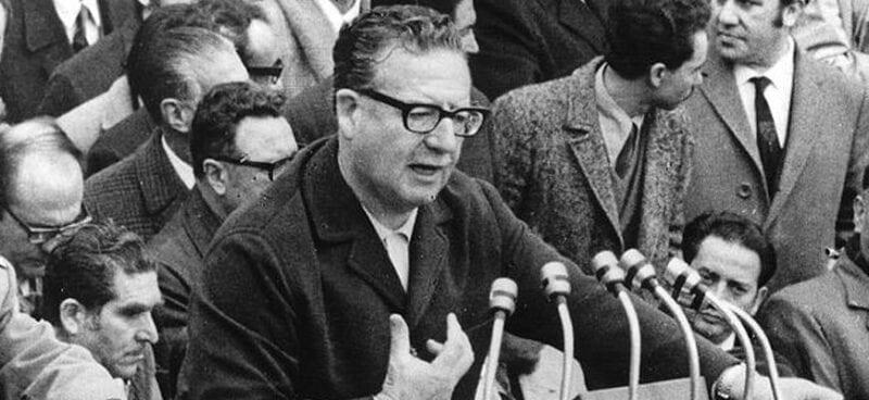 El mismo Allende les abrió la puerta a los militares para que se quedaran con el poder, en nueva interpretación histórica