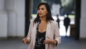 En una semana mediática la doctora Izkia Siches lidera lista de personaje políticos y Pablo Longueira se acomoda
