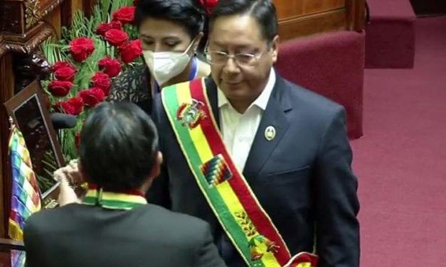 Con propuesta de un modelo económico, social, comunitario y productivo asumió el nuevo presidente boliviano Luis Arce