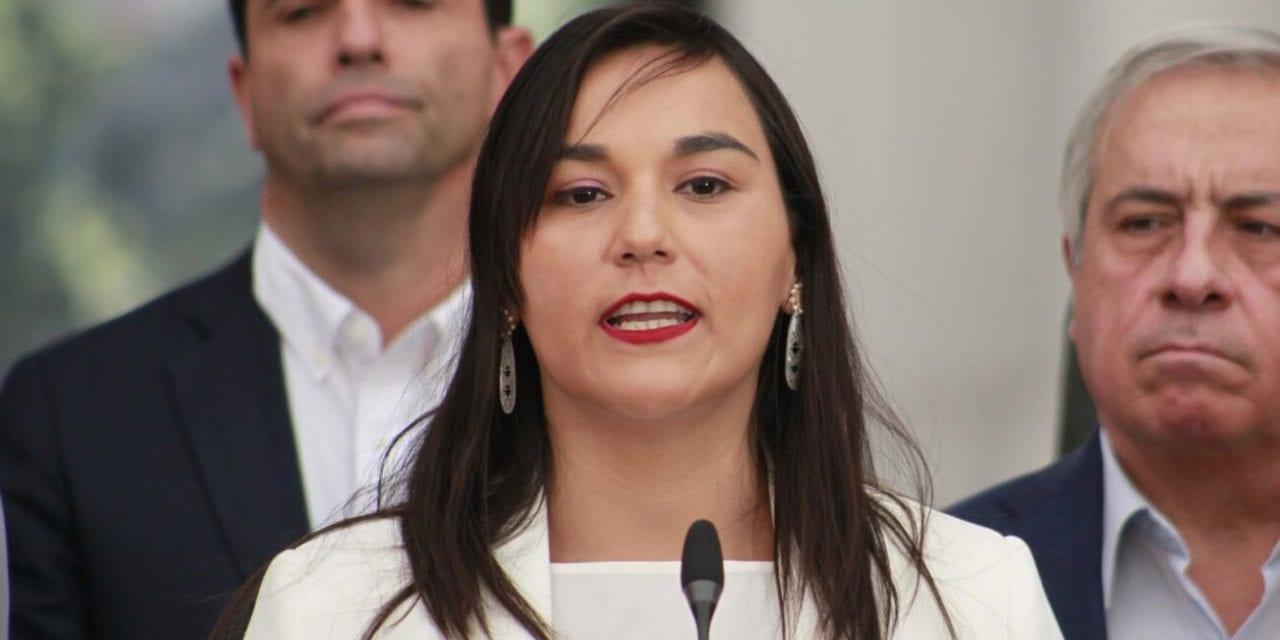 La recientemente reelegida presidenta del Colegio Médico Izkia Siches es a su vez el personaje político mejor evaluado en Chile