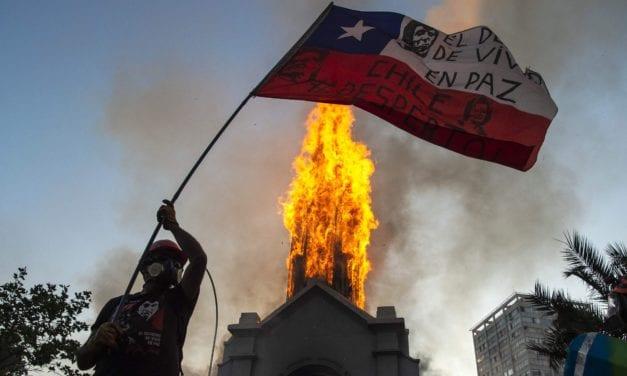 La irresponsabilidad de tres senadoras y dos senadores ponen en peligro la paz social en Chile – Fiscal nacional indignado