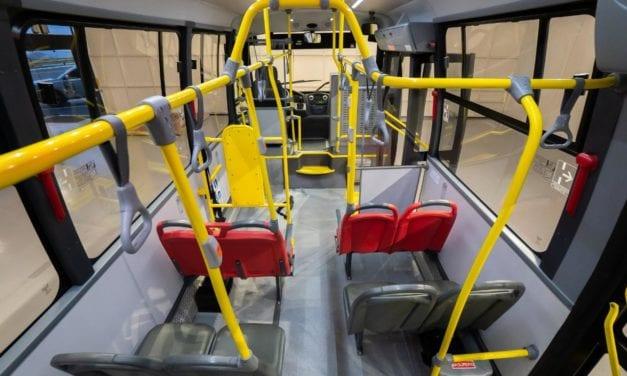 Contagio de coronavirus a través de las manillas de los buses es muy escaso, dice estudio suizo