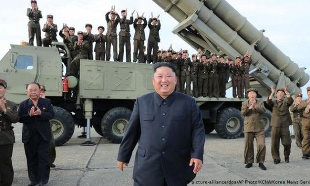 Corea del Norte y EE UU: Nuevo lanzamiento de misiles agita otra vez las aguas en el Mar de Japón