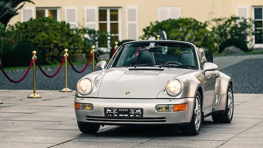 Más de medio millón de dólares pagaron por un Porsche de Maradona modelo 1992