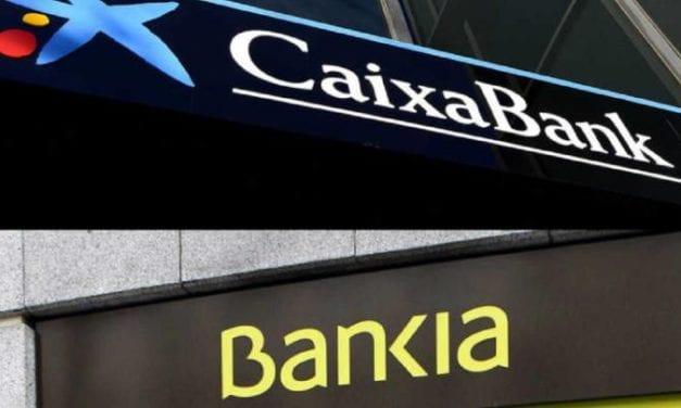 Banca española tramita más de 12.000 despidos lo que ha originado una gran protesta oficialista