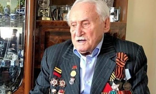 Murió el último sobreviviente de Ausschwitz y famoso esgrimista y ganador olímpico