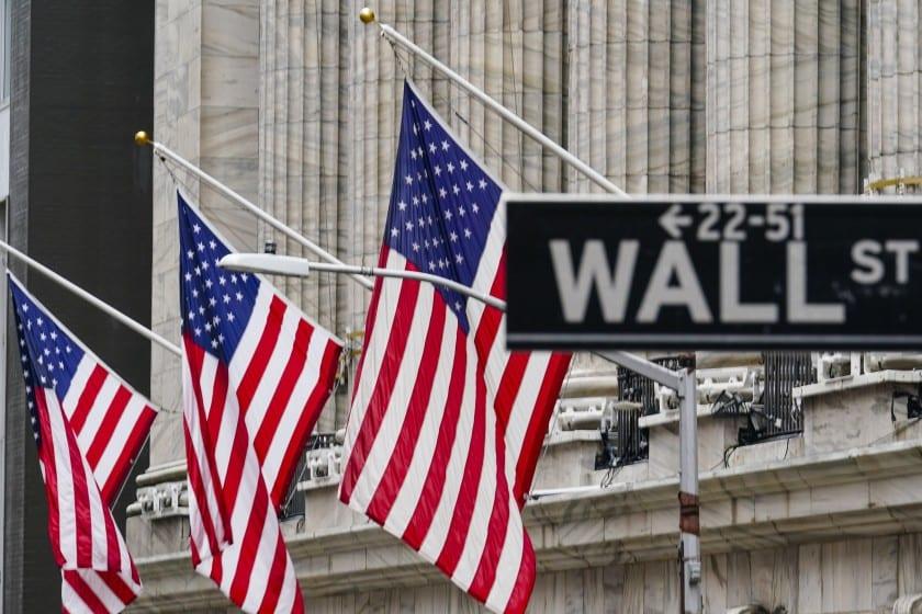Esperado informe laboral en EE UU no es tan malo como se creía, pero en Wall Street siguen los temores a una inflación