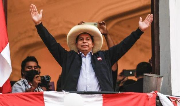 ¿Qué le espera a Pedro Castillo tras haber asumido el poder como nuevo Presidente del Perú?