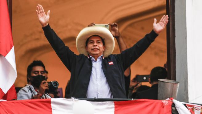 Por 44.058 votos Pedro Castillo derrotó a Keiko Fujimori en Perú y se declara nuevo Presidente