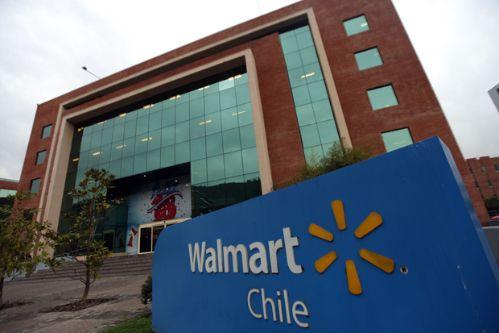 Walmart, la empresa saqueada en Chile, decide pagar la universidad a sus trabajadores en EE UU- ¡Aprende Chileno!