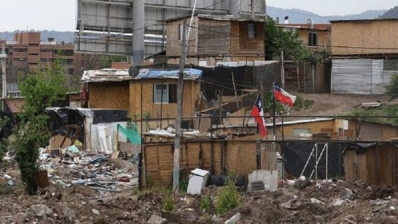 Pandemia: La pobreza en Chile sube y afecta a 3 millones de personas