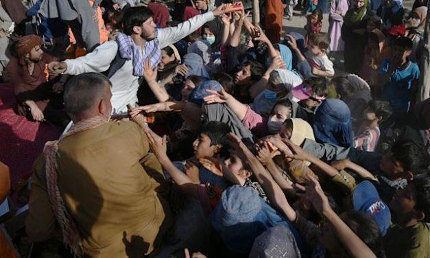 Caos total en Kabul – Reacciones alemanas y justificación de las medidas de Biden